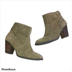 Nine West 10M Green Ankle Boot Heels Suede *Flaw